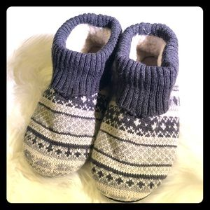 ⭐️ American Eagle AEO fair isle slippers booties
